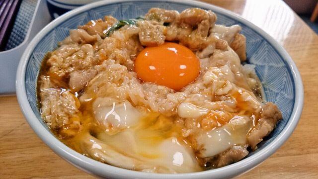 滋賀県は長浜市にある行列店「鳥喜多 (とりきた)」で絶品親子丼を食べる!