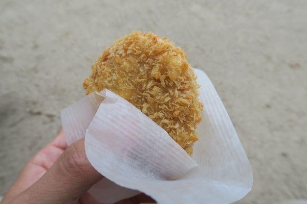 京都一乗寺の肉屋さんカズサヤのコロッケが激旨ですよ