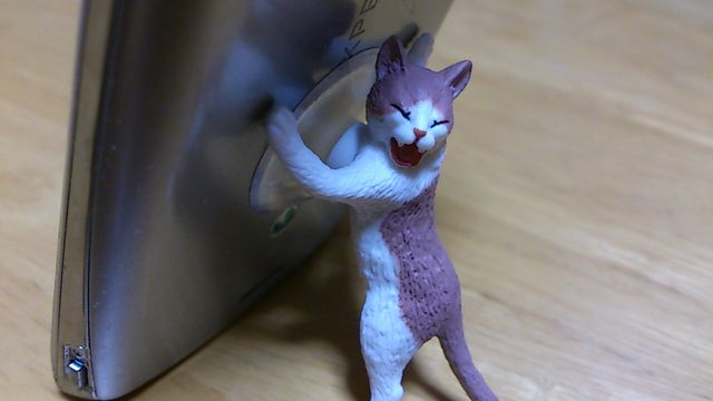 ここは俺がくいとめる!猫の吸盤付きスタンドガチャを廻してみたよ