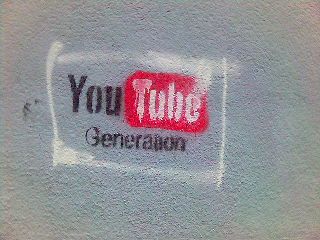 YouTubeで「再生履歴」と「検索履歴」を消す方法(2012年10月24日現在)