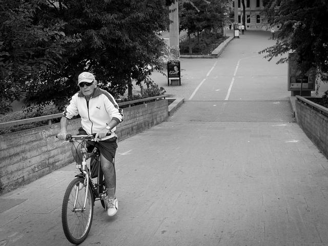 【書評】人はいつでもやり直す事ができる-リー・クラヴィッツ「僕は人生の宿題を果たす旅に出た」
