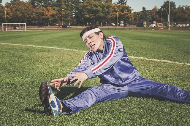 運動前のストレッチは逆効果!準備体操って何すればいいの?